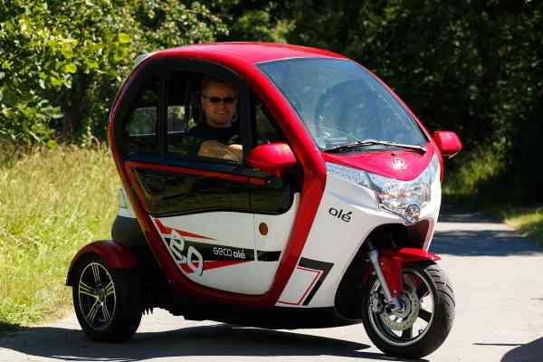 Führerscheinfrei, E-LORD, autom. Rückfahrkamera, 2 Kw E-Leichtkfz Scooter Kabinenroller max. 25 km/h