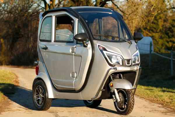 Trixi Comfort Elektro-Moped Führerscheinfrei Scooter Kabinenroller 25 km/h