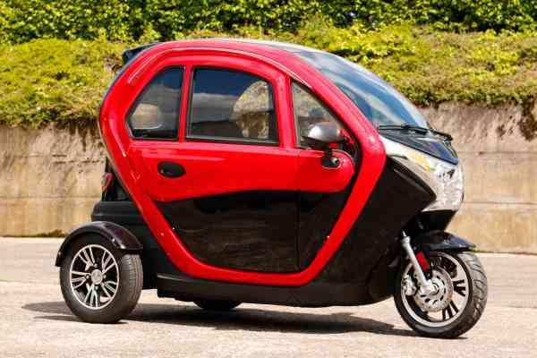 UMI Cool, Ausstellungsstück, E-Kabinenroller 45 km/h f. 2 Personen EU Zulassung