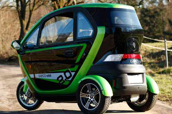 "E-Auto ""E-LORD V7"" E-Leichtkraftfahrzeug Scooter Kabinenroller max. 25/45 km/h"