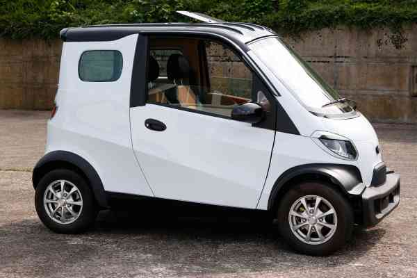 7,5 Kw Linzda E-Auto für 2 Personen, max. 80 Km/h, L7e, Stadtflitzer Microcar