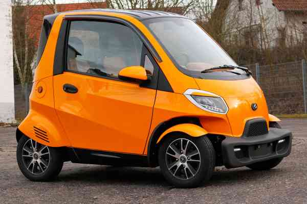 4 Kw Linzda E-Auto für 2 Personen, max. 45 Km/h Stadtflitzer, Microcar, Mopedkennzeichen